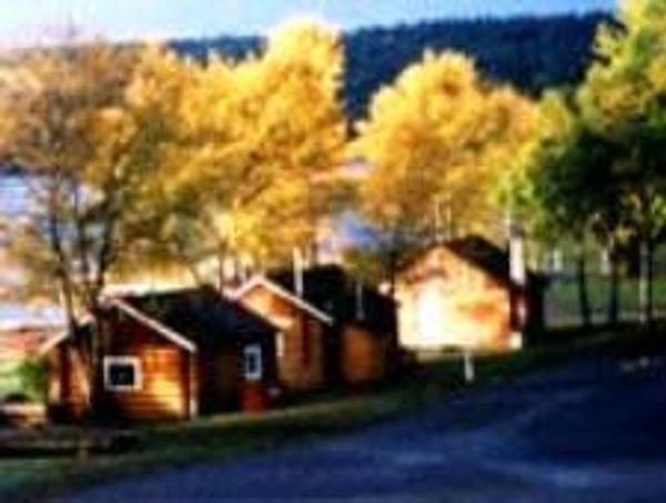 Kokanee Bay Motel & RV Park
