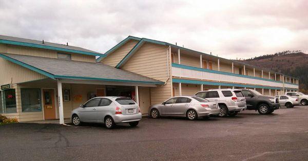 Y-5 Motel & Campground