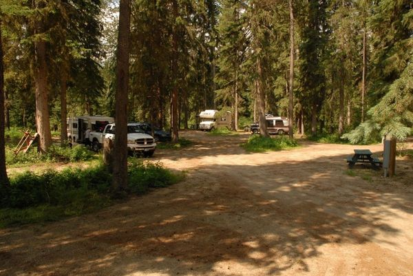 Yellowhead RV Park & Campground